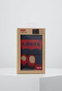 Levi's® - CLASSIC BATWING INFANT BABY SET - Geboortegeschenk - dark blue - 2