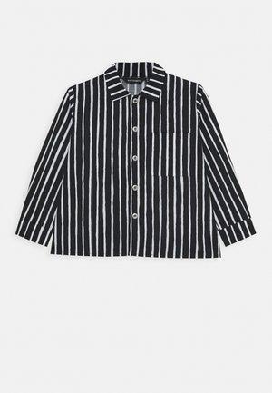 PIKKUPOJANPAITA - Shirt - black/white