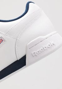 Reebok Classic - WORKOUT PLUS LEATHER UPPER SHOES - Sneaker low - white/collegiate navy/toxic yellow - 5