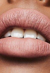 MAC - MATTE LIPSTICK - Lipstick - down to an art - 2