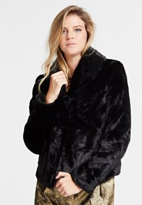 Guess - Giacca invernale - black - 0