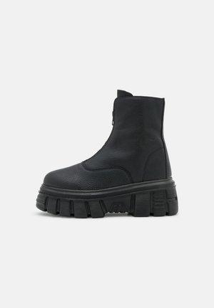 MASSIVE ZIP BOOT - Enkellaarsjes met plateauzool - black