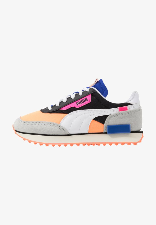 FUTURE RIDER PLAY ON UNISEX - Sneakers laag - black/fizzy orange/high rise