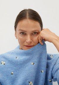 Mango - MARGARIT - Sweter - bleu ciel - 4