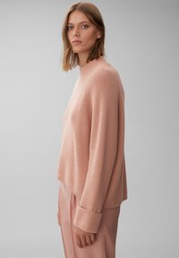 Marc O'Polo PURE - BOXY LONG SLEEVE RAGLAN CROPPED LENGTH - Jumper - winter rose - 3