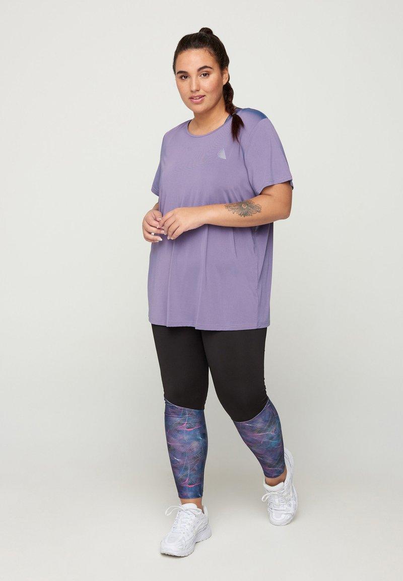 Zizzi - T-shirt basic - purple