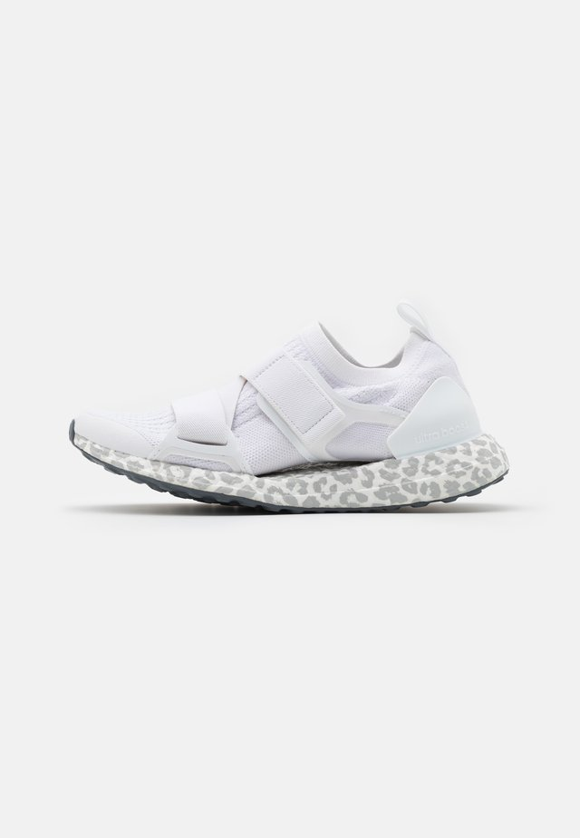 ULTRABOOST X S. - Neutral running shoes - footwear white/light brown/onix