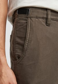s.Oliver - Chinos - olive - 3