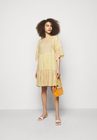 CLOSED - TENNIE - Day dress - strong mustard - 1