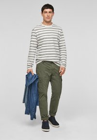 s.Oliver - Cargo trousers - olive - 1