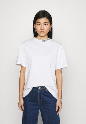 ZUMU TEE - T-shirts - white