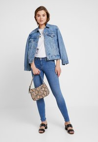Gina Tricot - BONNIE - Jeans Skinny Fit - mid blue - 1