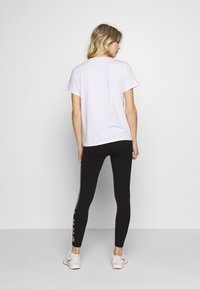 DKNY - TRACK LOGO - Print T-shirt - white - 2