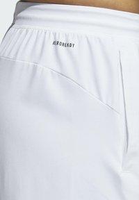 adidas Performance - 4KRFT SPORT GRAPHIC SHORTS - Träningsshorts - white - 4