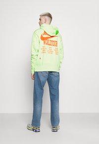 Nike Sportswear - HOODIE - Luvtröja - liquid lime - 2