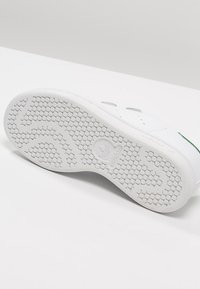 adidas Originals - STAN SMITH - Sneakersy niskie - white - 4