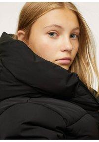 Mango - STEPP-ANORAK MIT KAPUZE - Winter coat - schwarz - 3