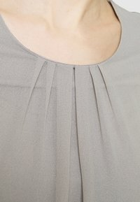 More & More - PATCHED - Long sleeved top - new grey - 3
