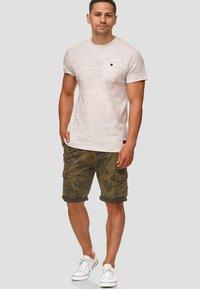 INDICODE JEANS - ALBERT - Shorts - army - 1