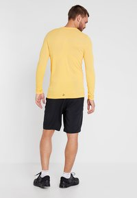 Craft - DEFT COMFORT SHORTS - Urheilushortsit - black - 2