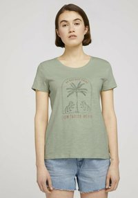TOM TAILOR DENIM - Print T-shirt - light dusty green - 0
