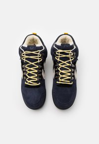 Hummel - NORDIC ROOTS FOREST MID UNISEX - Sneakersy wysokie - dress blue - 3