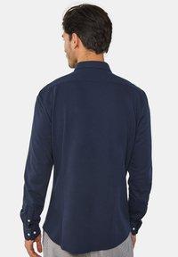 WE Fashion - SLIM FIT - Camicia - blue - 2