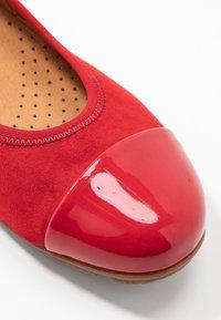 Gabor - Ballet pumps - cherry - 2