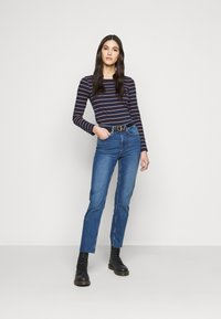 Anna Field Tall - Long sleeved top - dark blue/camel - 1