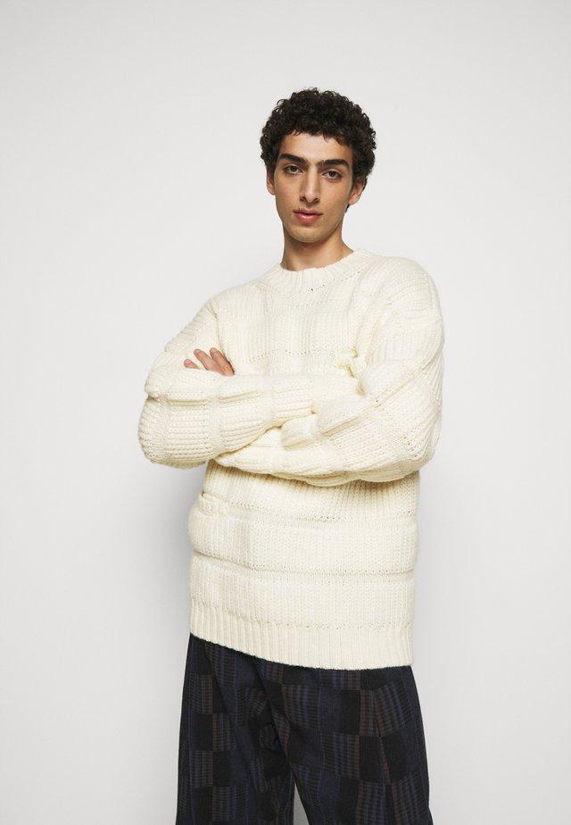 CHUNKY TUBES  - Pullover - white