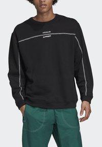 adidas Originals - CREW SWEATSHIRT - Sweatshirt - black - 4