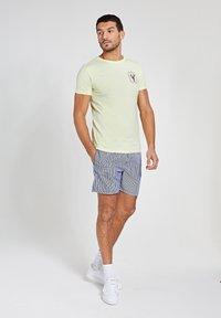 Shiwi - LOBSTER - Print T-shirt - miami lemon - 1