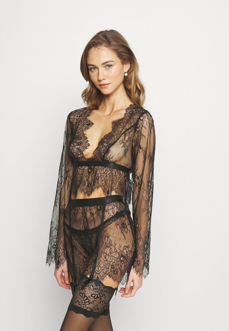 Hunkemöller - ALLOVER  - Pyjama top - black