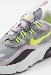 Nike Sportswear - AIR MAX 270 - Sneakersy niskie - particle grey/lemon/iced lilac/off noir - 2