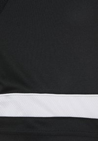 Nike Performance - ACADEMY 21 - T-shirt z nadrukiem - black/white - 6