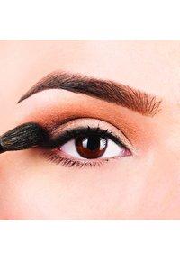 Nyx Professional Makeup - PROOF IT! WATERPROOF SHADOW PRIMER - Eye primer - - - 3