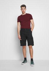 Carhartt WIP - REGULAR CARGO COLUMBIA - Shorts - black - 1