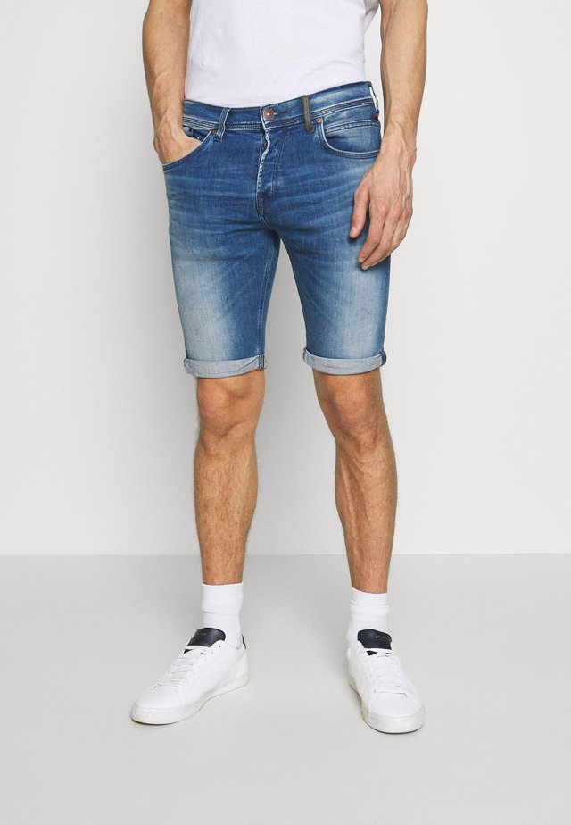 CORVIN - Denim shorts - cletus wash