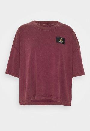 ESSENTIAL BOXY TEE - Print T-shirt - bordeaux