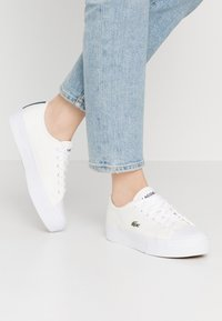 Lacoste - ZIANE PLUS GRAND 120 2CFA - Tenisky - white/navy - 0