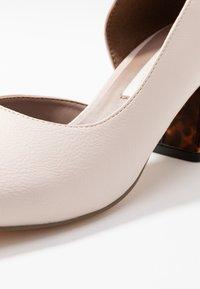Matt & Nat - PIKOSA - Classic heels - nude - 2