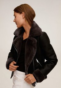 Mango - CADI - Faux leather jacket - schwarz - 5