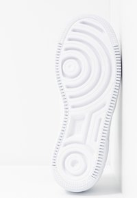 Nike Sportswear - AIR FORCE 1 SHADOW - Trainers - white - 6