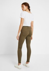 ONLY - ONLBLUSH  - Jeans Skinny Fit - kalamata - 2
