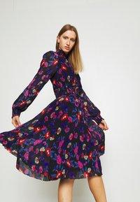 Diane von Furstenberg - ATHENA - Denní šaty - medium black - 4