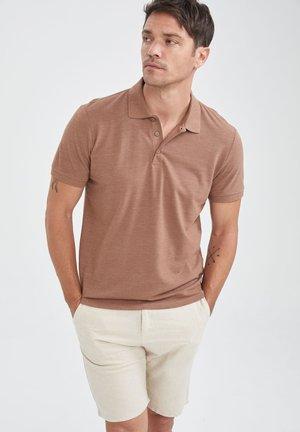 Polo - brown