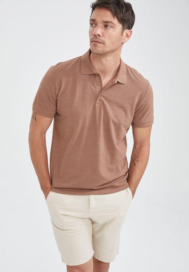 DeFacto - Polo - brown