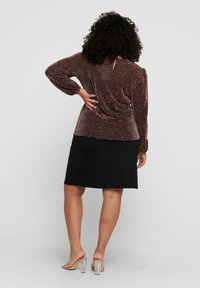 ONLY Carmakoma - Long sleeved top - black - 2