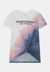 Abercrombie & Fitch - KNOT FRONT TECH CORE  - Print T-shirt - purple - 0