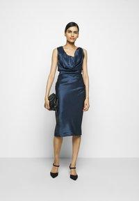 Vivienne Westwood - GINNIE PENCIL DRESS - Shift dress - avio - 1
